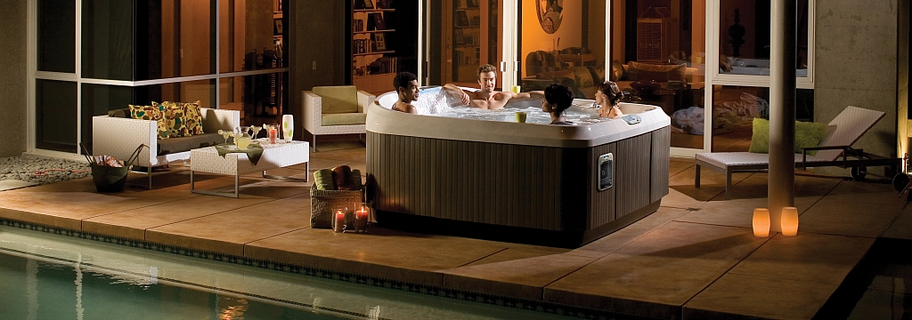 J-480-Hot-Tub-Lifestyle