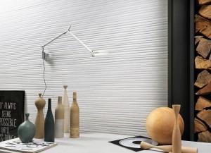 Forme Bianche e серия с триизмерни керамични плочки, който придава текстурирана енергия на вертикалните повърхности - подходящи са за бани, кухни, стаи, декоративни стени в лобита и ресторанти.